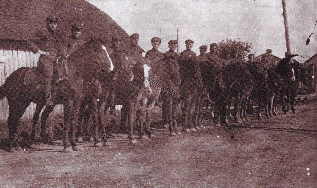 Raitieji kulkosvaidininkai atrėmę bermontininkų puolimą prie Šiaulių. 1919 m. rugsėjo 24. LCVA