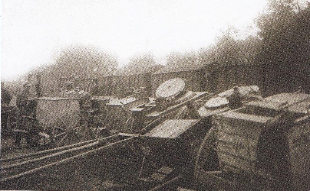 Radviliškio geležinkelio stotyje sukrautos lauko virtuvės, paimtos kaip karo grobis iš lenkų 1919 m. LCVA.