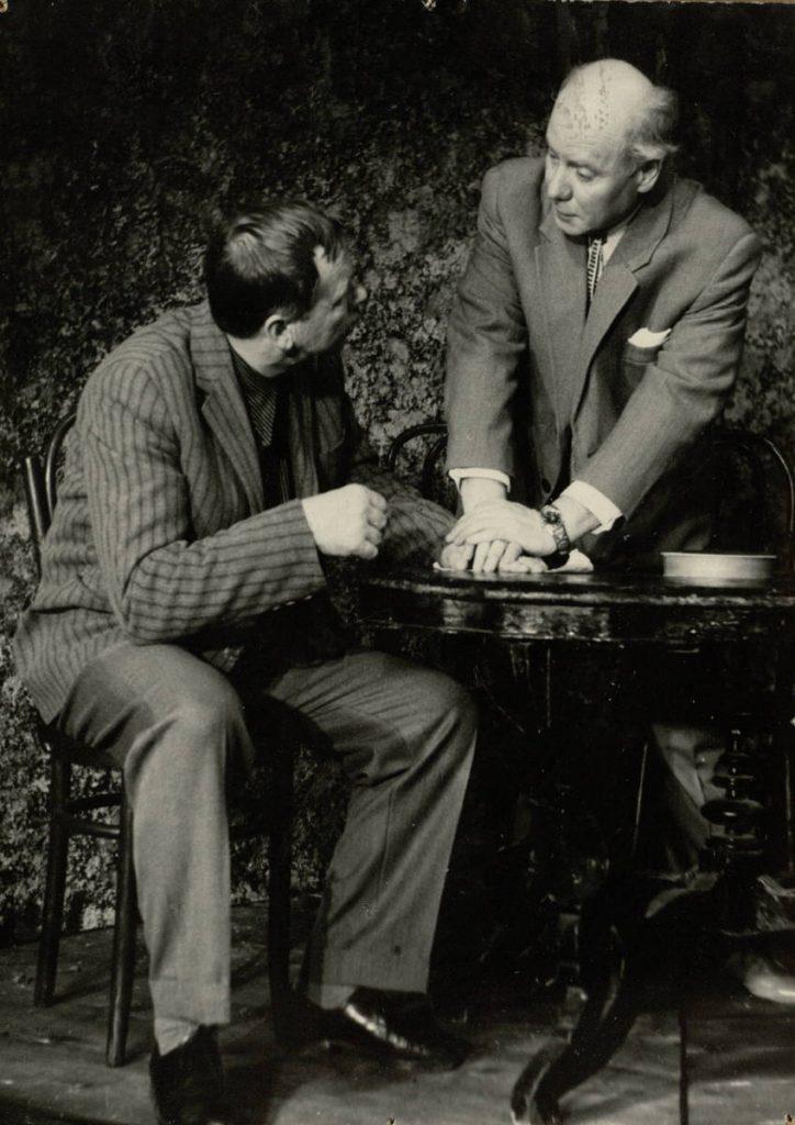 Užupio drama. 1967. Scena iš spektaklio. Raila – akt. S.Paska, Senkus – akt. V.Tautkevičius